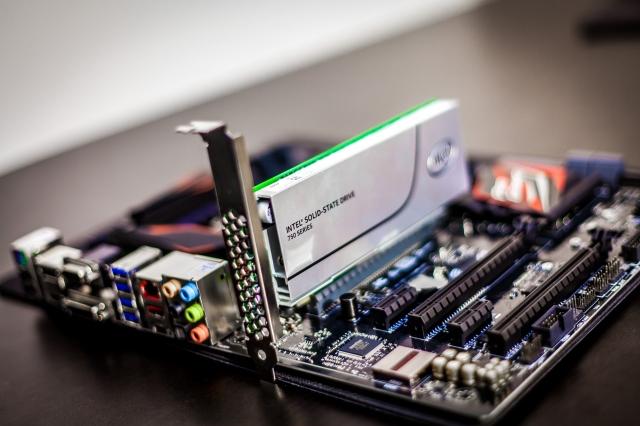 Nên lựa chọn SSD sử dụng giao tiếp SATA hay PCIe? 1
