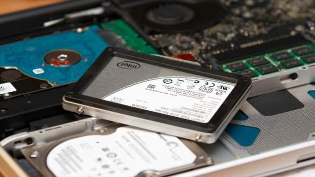 Nên lựa chọn SSD sử dụng giao tiếp SATA hay PCIe? 4