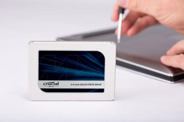 Ổ cứng SSD 250GB Crucial MX500 2.5-Inch SATA III 16